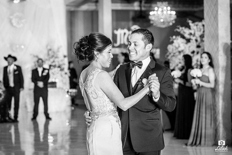 m&e_wedding_photographer_edinburg_texas_lilak (27)